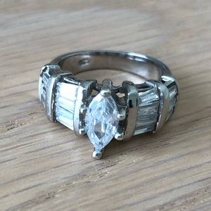 Beautiful Sterling silver CZ ring.